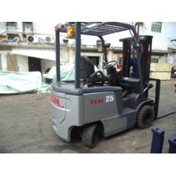 Xe nâng điện TCM 2,5T